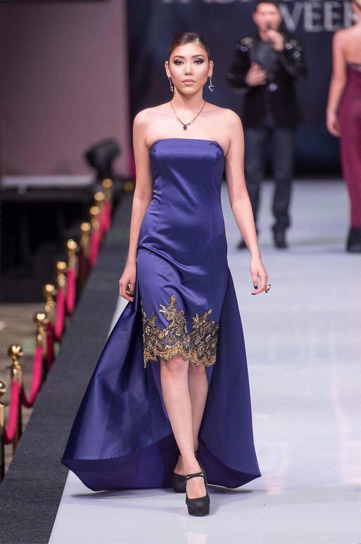 Платье со шлейфом, Платья, Москва,  Фото №1