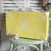 """Свадебный салон ручной работы. Ярмарка Мастеров - ручная работа """"Желтый чемоданчик"""". Чемодан винтажный, Шебби чемоданчик.. Handmade."""