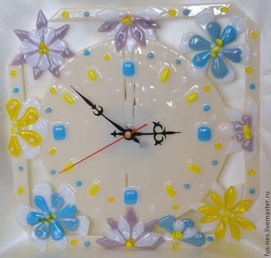 Часы для дома ручной работы. Ярмарка Мастеров - ручная работа. Купить Нежнее нежного Фьюзинг. Handmade. Бежевый, часы настенные