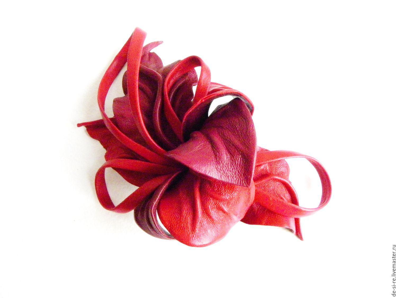 Брошь цветок объёмная из кожи `Фламенко` с петлями красная вишневая. Шляпная брошь. Брошь на сумку, пояс, шляпу, пальто, шубу, пиджак, платье, свитер,шарф,шаль, платок, палантин, верхнюю одежду. DSR.