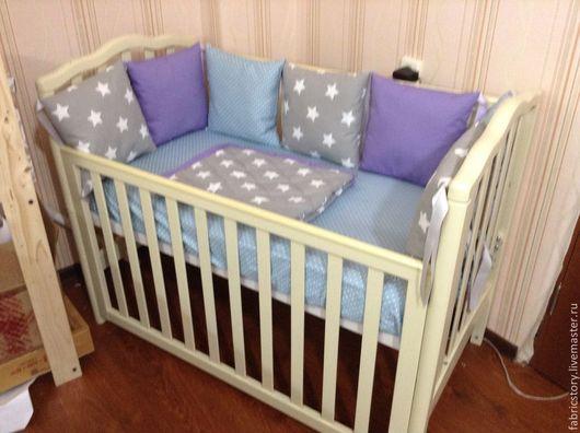 """Детская ручной работы. Ярмарка Мастеров - ручная работа. Купить Комплект в детскую кроватку """"Звезды"""". Handmade. Сиреневый, одеяло для новорожденного"""