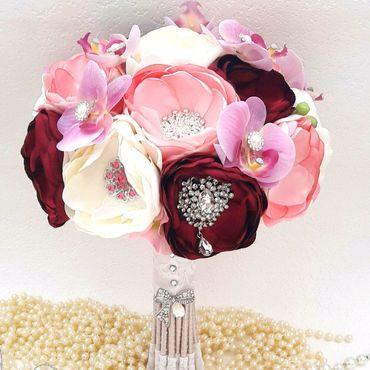 Свадебный салон ручной работы. Ярмарка Мастеров - ручная работа Свадебный брошь букет невесты из тканей пионовый букет невесты розовый. Handmade.