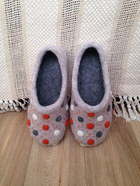 """Обувь ручной работы. Ярмарка Мастеров - ручная работа. Купить Тапочки домашние """"В горох"""". Handmade. Разноцветный, Валяние, шерсть"""