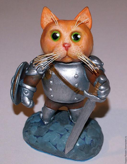 """Миниатюра ручной работы. Ярмарка Мастеров - ручная работа. Купить Фигурка на торт из полимерной глины облегченная """"Кот-рыцарь"""". Handmade."""