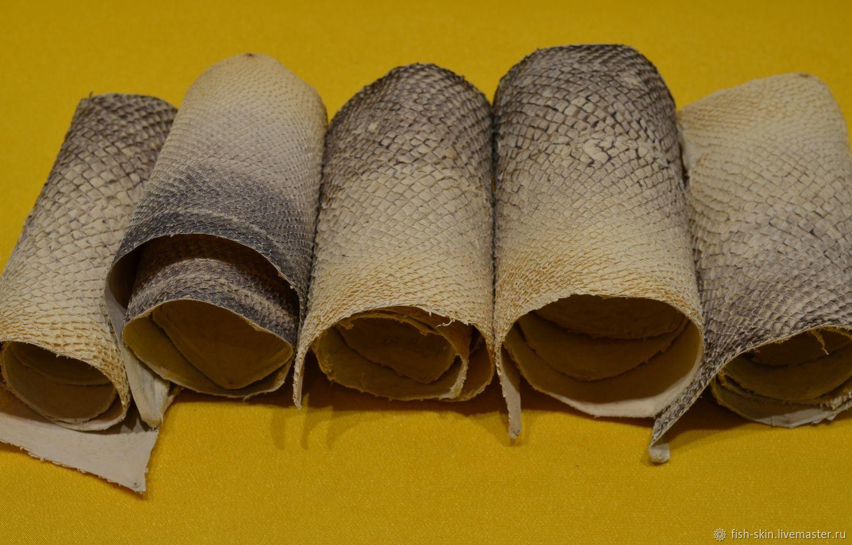 Рыбья кожа - остатки больших партий. Или кожа с небольшими дефектами:  неровный прокрас или маленькие отверстия