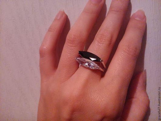 Кольца ручной работы. Ярмарка Мастеров - ручная работа. Купить Кольцо Инь-Янь. Handmade. Кольцо с камнями, красивое кольцо