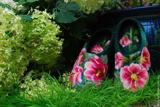 Обувь ручной работы. Ярмарка Мастеров - ручная работа. Купить Тапочки «Мальвы». Handmade. Тёмно-зелёный, шерсть 100%