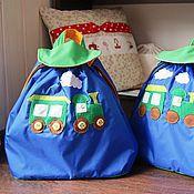 Сумки и аксессуары ручной работы. Ярмарка Мастеров - ручная работа Рюкзак для мальчика с паровозиком непромокаемый синий маленький. Handmade.