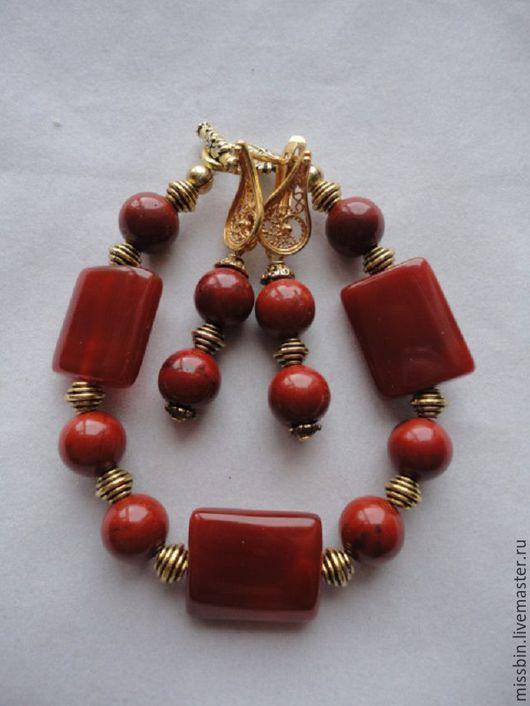 """Комплекты украшений ручной работы. Ярмарка Мастеров - ручная работа. Купить """"Магия красного"""" браслет и серьги из красной яшмы и сердолика. Handmade."""