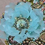 Украшения ручной работы. Ярмарка Мастеров - ручная работа Брошь голубой цветок из бисера с пиритами Spring is coming. Handmade.