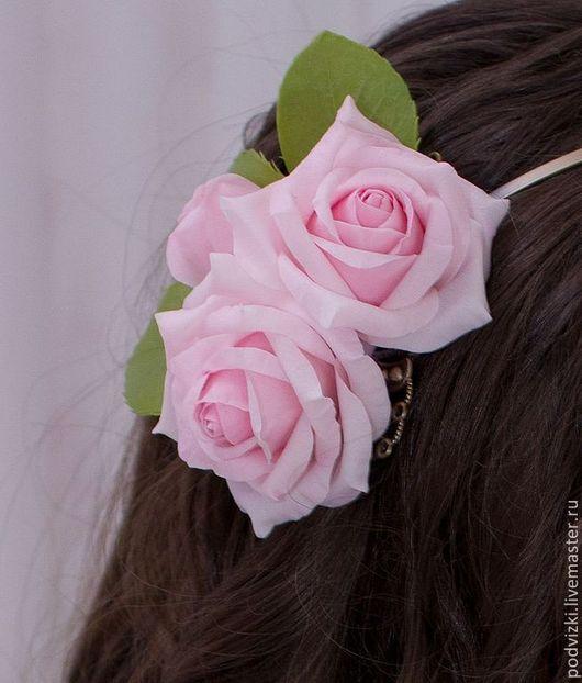 """Свадебные украшения ручной работы. Ярмарка Мастеров - ручная работа. Купить ободок с цветами """"Нежность роз"""". Handmade. Ободок с цветами"""