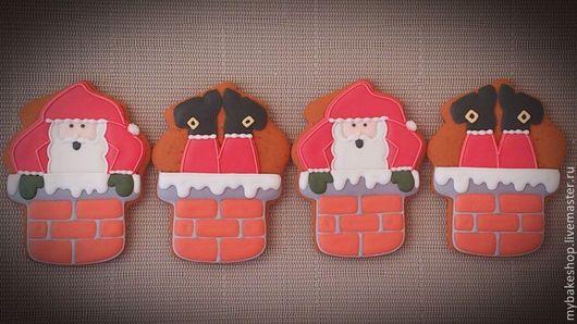 """Кулинарные сувениры ручной работы. Ярмарка Мастеров - ручная работа. Купить """"Санта"""" новогодние пряники - козули. Handmade. Ярко-красный"""