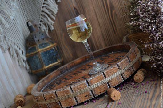 Поднос в стиле старого итальянского Кантри в виде среза винной бочки.