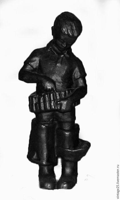 Винтажные предметы интерьера. Ярмарка Мастеров - ручная работа. Купить Статуэтка КУСА мальчик Охотник. Handmade. Черный, Литье