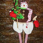 Куклы и игрушки ручной работы. Ярмарка Мастеров - ручная работа Кукла. Снеговик с ёлкой. Handmade.