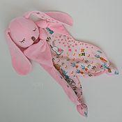Мягкие игрушки ручной работы. Ярмарка Мастеров - ручная работа Комфортер зайчик. Handmade.