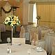 Оформление свадьбы цветами в ресторане Джотто.Композиции в мартинницах на столах гостей