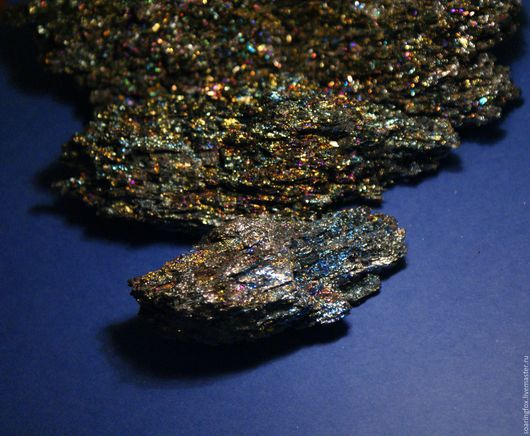 кристаллы борнита, павлинья руда, необычный камень, эксклюзивный камень, борнит, подарок коллекционеру, натуральный камень, натуральный минерал, натуральный кристалл, борнит фото, фото борнит