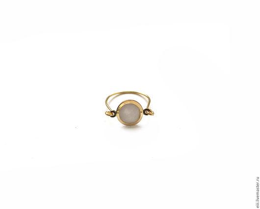 Кольца ручной работы. Ярмарка Мастеров - ручная работа. Купить Крошечное кольцо с перламутром. Handmade. Подарок, латунь, кольцо с камнями