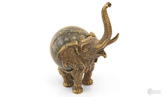 Статуэтки ручной работы. Ярмарка Мастеров - ручная работа. Купить Статуэтка «Слон №2» с шаром. Handmade. Бронза, слон, статуэтка