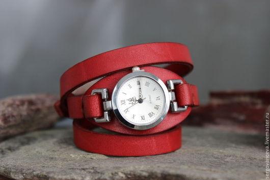 """Часы ручной работы. Ярмарка Мастеров - ручная работа. Купить Часы """"Коралловые"""". Handmade. Коралловый, яркий аксессуар, браслет из кожи"""