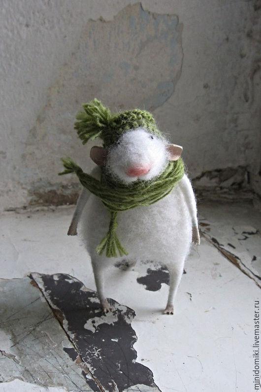 Игрушки животные, ручной работы. Ярмарка Мастеров - ручная работа. Купить Пушистик в зеленой шапочке.. Handmade. Белый, милый