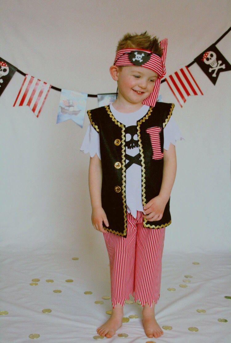 Карнавальные костюмы пирата