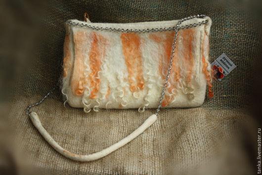 Женские сумки ручной работы. Ярмарка Мастеров - ручная работа. Купить Сумочка-муфта с кудряшками. Handmade. Бежевый, сумка, оранжевый