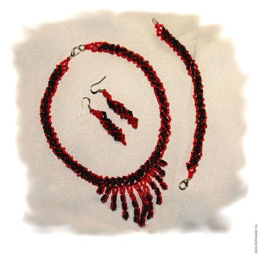 """Комплекты украшений ручной работы. Ярмарка Мастеров - ручная работа. Купить Комплект """"Гранатовый блеск"""". Handmade. Бисер, ожерелье, браслет"""