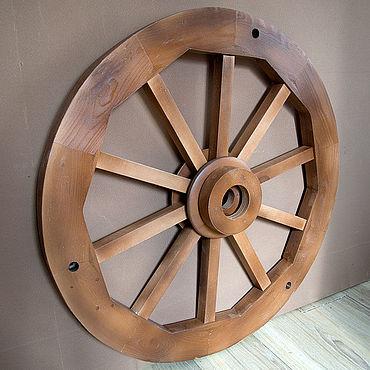 Освещение ручной работы. Ярмарка Мастеров - ручная работа Деревянное колесо как основа для декоративной люстры. Handmade.