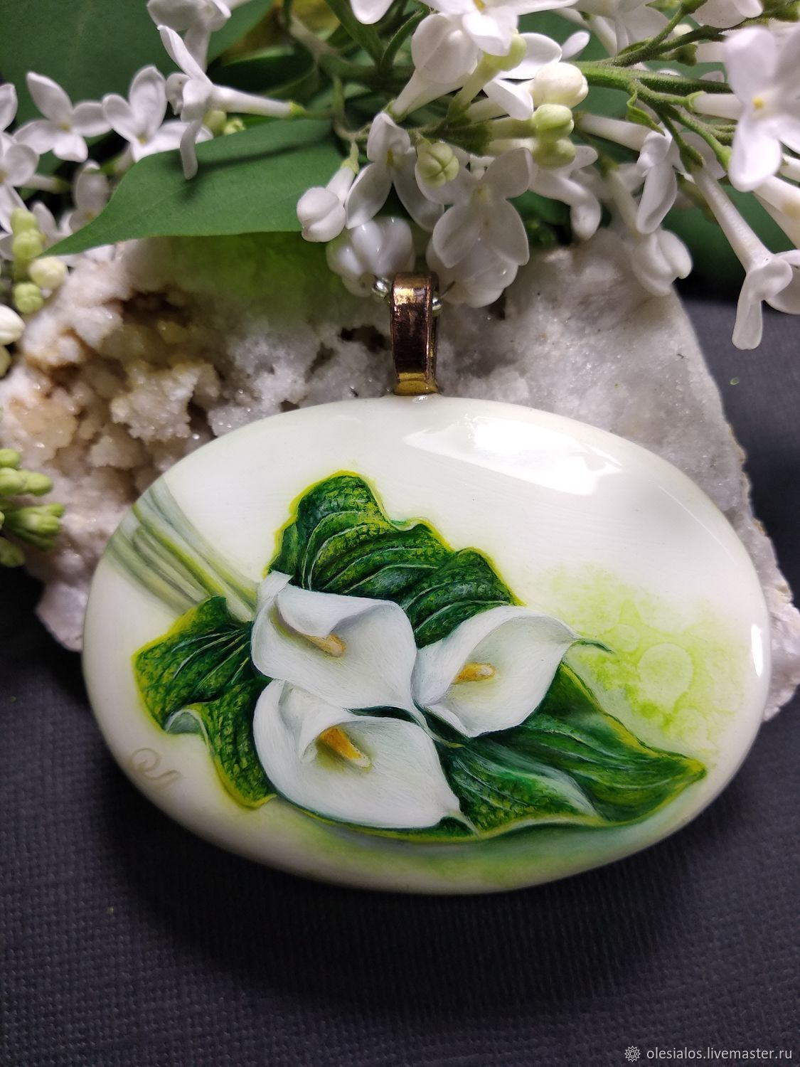 Necklace with lacquer miniature Calla lilies painting on the stone cacholong, Necklace, Biisk,  Фото №1