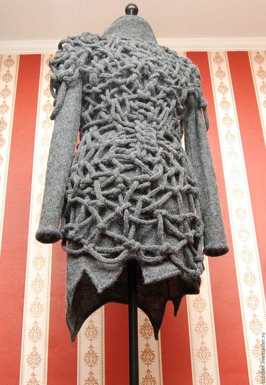 Комплект:  платье и плетеная туника. Вид переда изделия.