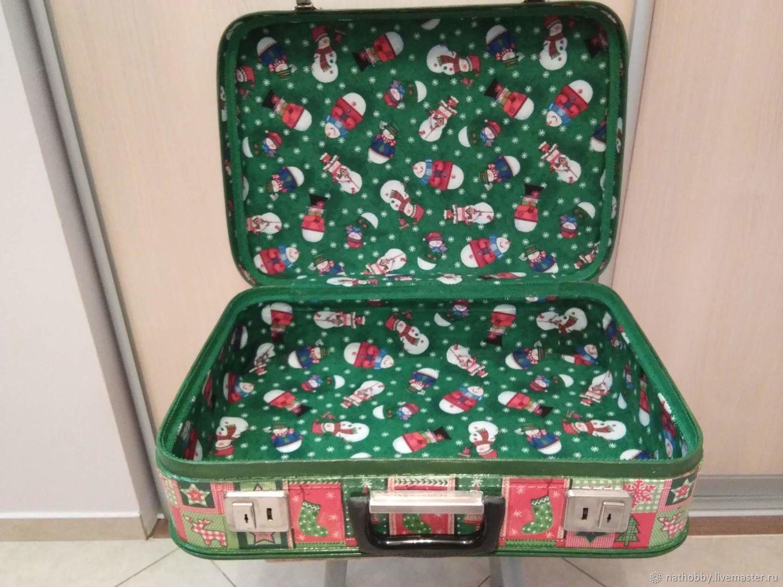 Чемодан для елочных игрушек Санта в пути