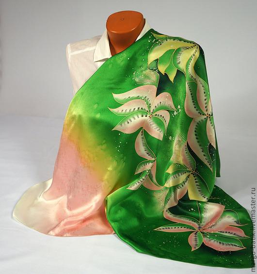 """Шали, палантины ручной работы. Ярмарка Мастеров - ручная работа. Купить Платок-батик """"Мечта"""". Handmade. Ярко-зелёный"""