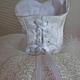 шнуровка: микро-люверсы, атласная лента
