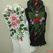 """Аксессуары ручной работы. Ярмарка Мастеров - ручная работа варежки""""цветочная поляна""""с вышивкой. Handmade."""