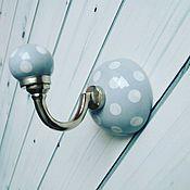 Для дома и интерьера ручной работы. Ярмарка Мастеров - ручная работа Керамический крючок серый в горошек. Handmade.
