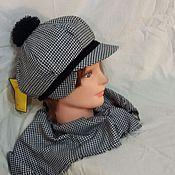 """Аксессуары ручной работы. Ярмарка Мастеров - ручная работа Комплект """"гусиная лапка""""  кепка с шарфом. Handmade."""