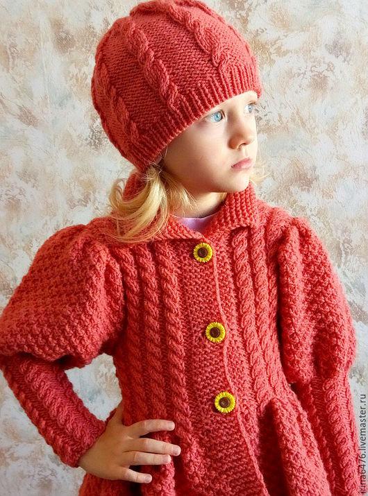 Одежда для девочек, ручной работы. Ярмарка Мастеров - ручная работа. Купить Вязаное пальто и шапочка для девочки.. Handmade. Комбинированный