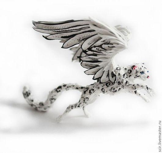 """Сказочные персонажи ручной работы. Ярмарка Мастеров - ручная работа. Купить фигурка """"Снежный барс (ирбис) в прыжке"""". Handmade."""