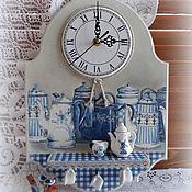 """Часы классические ручной работы. Ярмарка Мастеров - ручная работа Часы с полочкой Вспоминая Голландию -2""""(""""Голландские мотивы""""). Handmade."""
