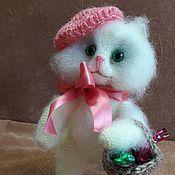 """Куклы и игрушки ручной работы. Ярмарка Мастеров - ручная работа Кошка вязаная """"Конфетка"""". Handmade."""