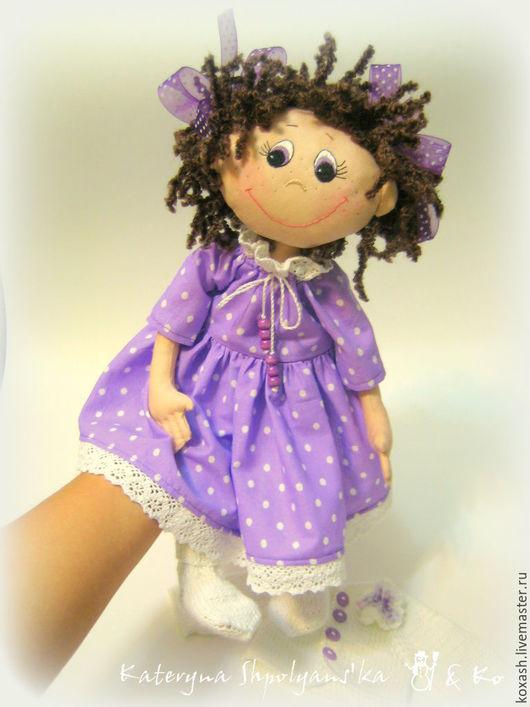 Коллекционные куклы ручной работы. Ярмарка Мастеров - ручная работа. Купить КУДРЯШКА В ГОРОШКАХ (сиреневая) - текстильная кукла. Handmade.