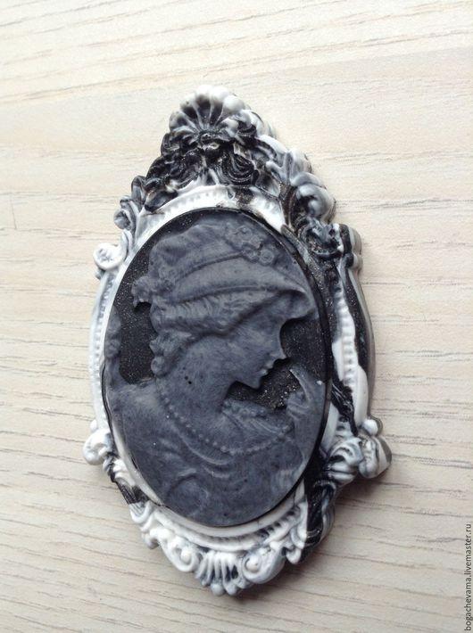 Декоративный элемент `Девушка2` (глина)