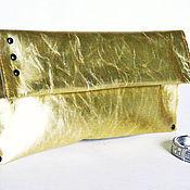 Сумки и аксессуары ручной работы. Ярмарка Мастеров - ручная работа Кожаный клатч золотой. Handmade.