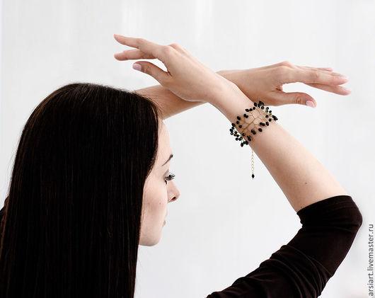 Свадебные украшения ручной работы. Ярмарка Мастеров - ручная работа. Купить Черный браслет. Подарок девушке. Золотой браслет с черными кристаллами. Handmade.