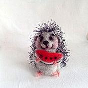 Куклы и игрушки ручной работы. Ярмарка Мастеров - ручная работа Ёжик с арбузом. Handmade.