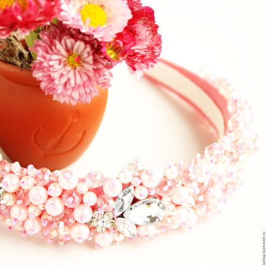 Диадемы, обручи ручной работы. Ярмарка Мастеров - ручная работа. Купить Ободок широкий нежно-розовый из стеклянных бусин. Handmade.