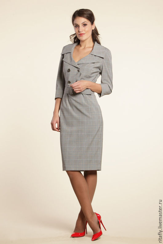 элегантное платье из костюмной шерсти. Платье с декольте, длиною до колен. Рукава 3/4. Стильное офисное платье.