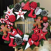Подарки к праздникам ручной работы. Ярмарка Мастеров - ручная работа Рождественский венок красно-белый. Handmade.